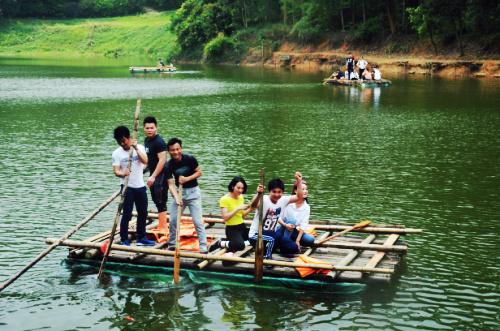 深雅公司开工之际选择深圳九龙生态园开展农家乐野炊聚餐
